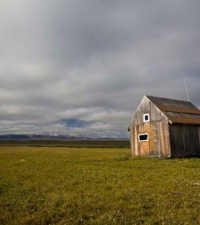 Lone Cabin (Arctic)